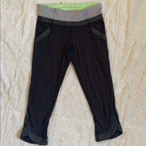 Lululemon crop legging mesh pockets sz 4